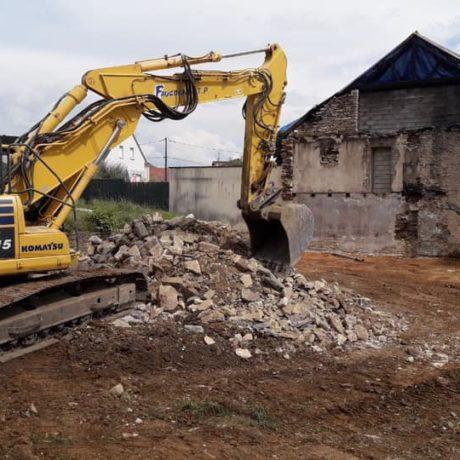 démolition d'une maison détruite par un incendie. TP Faucogney 70 Cubry Les Faverney (Haute Saone