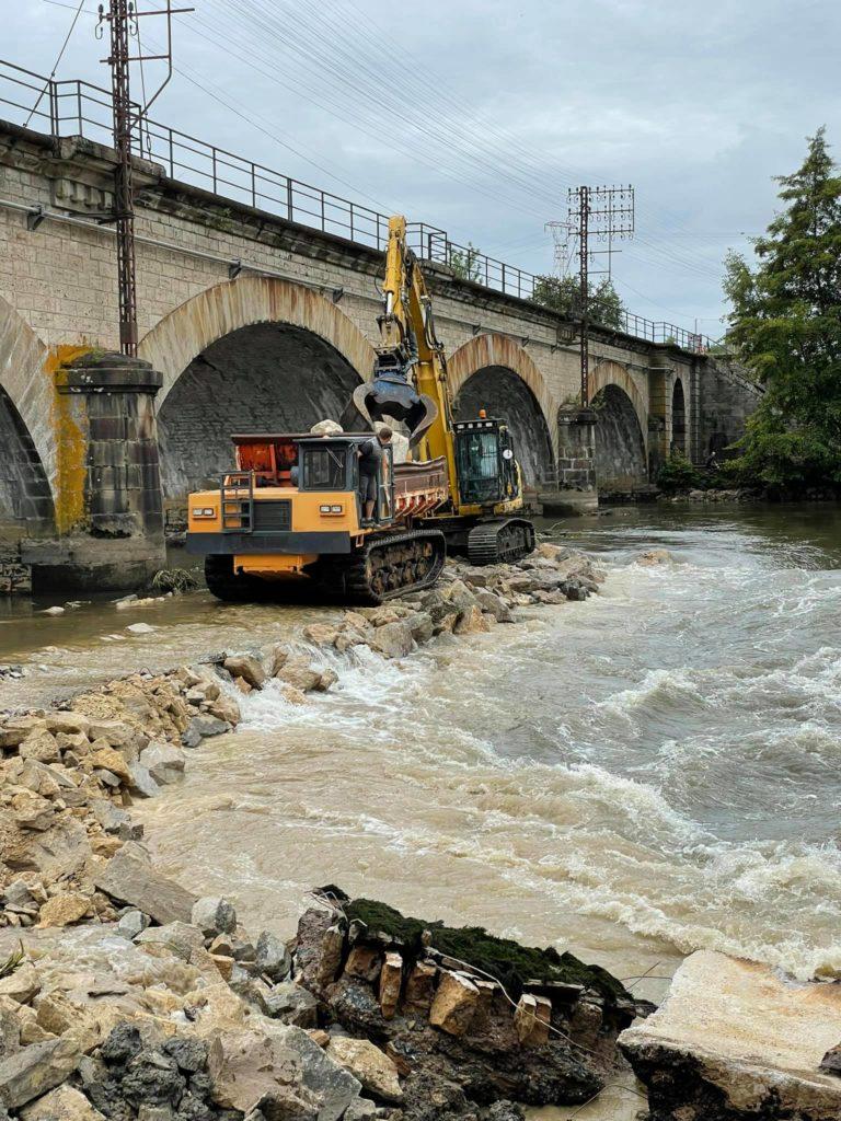 barrage a Conflandey3